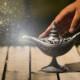 「魔法の絨毯」川崎鷹也の歌詞の意味と高く評価されている理由について